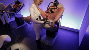 Clinic games - Latex beauty fills up his ass and plays with his cock